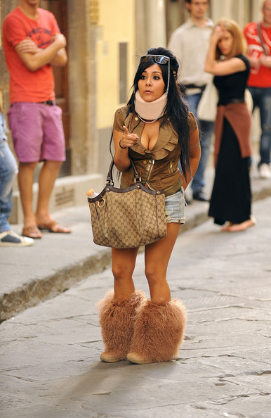 Snooki+wears+neck+brace+while+out+Florence+OzamcX3ZU8rl